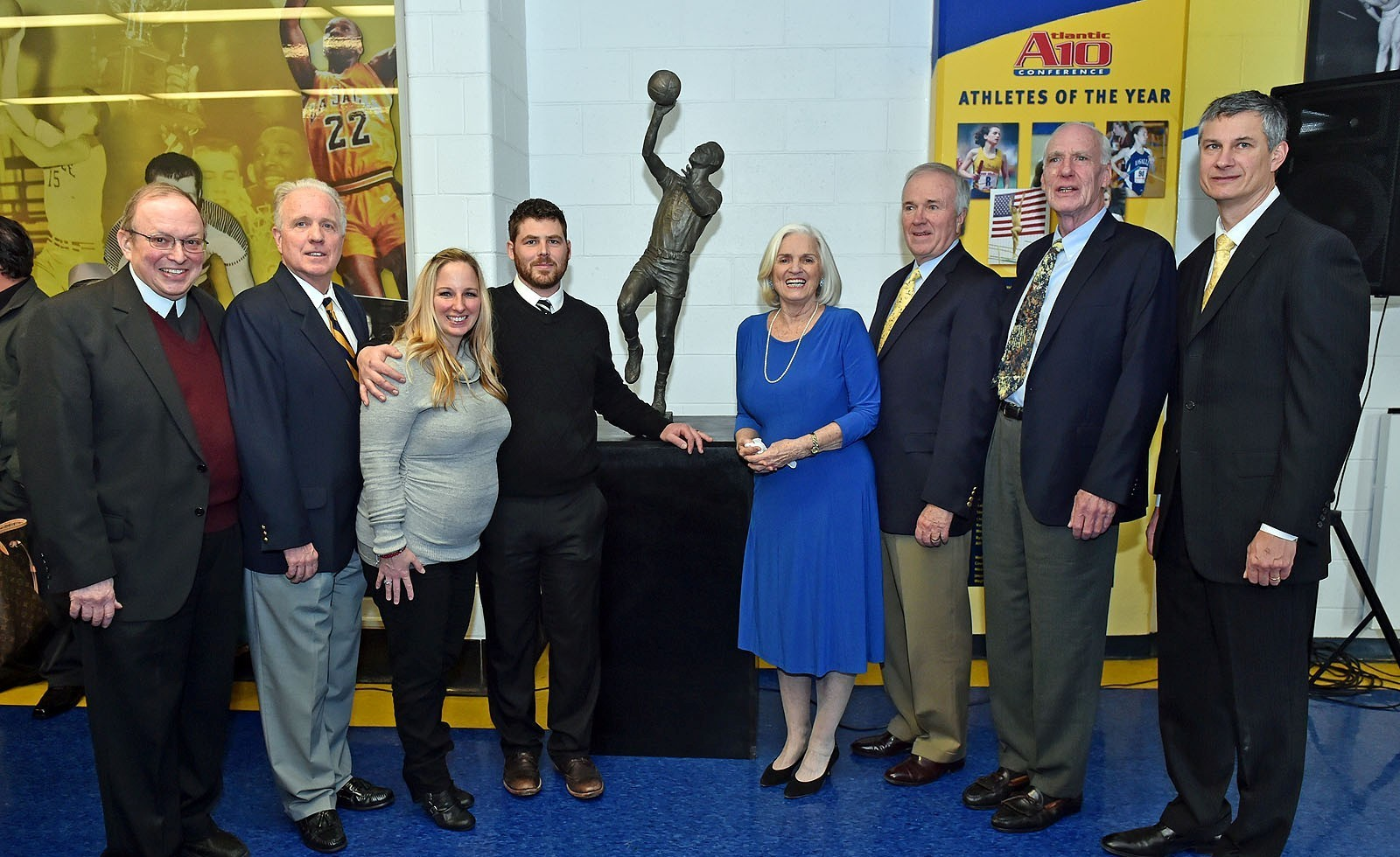 La Salle Unveils Sculpture Tom Gola The ficial Athletics