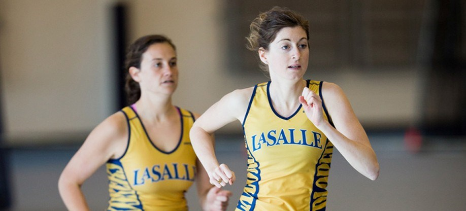 Women S Track And Field Distance Runners Wrap Up Successful Weekend