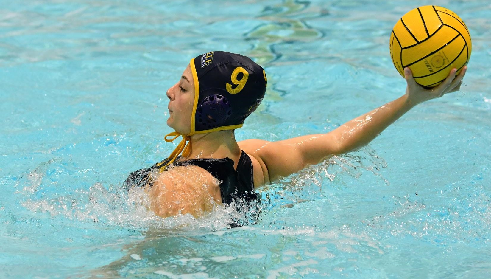 Women's Water Polo Heads West for Convergence Tournament in